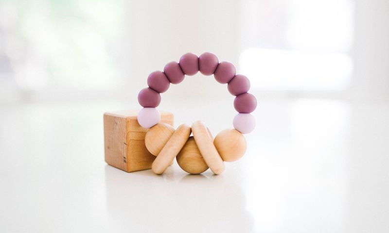 Bannor Toys Soothing Shaker Teether in Lavender