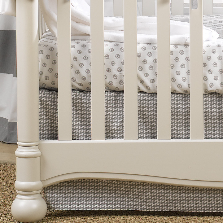 Liz & Roo Gray Houndstooth Crib Skirt