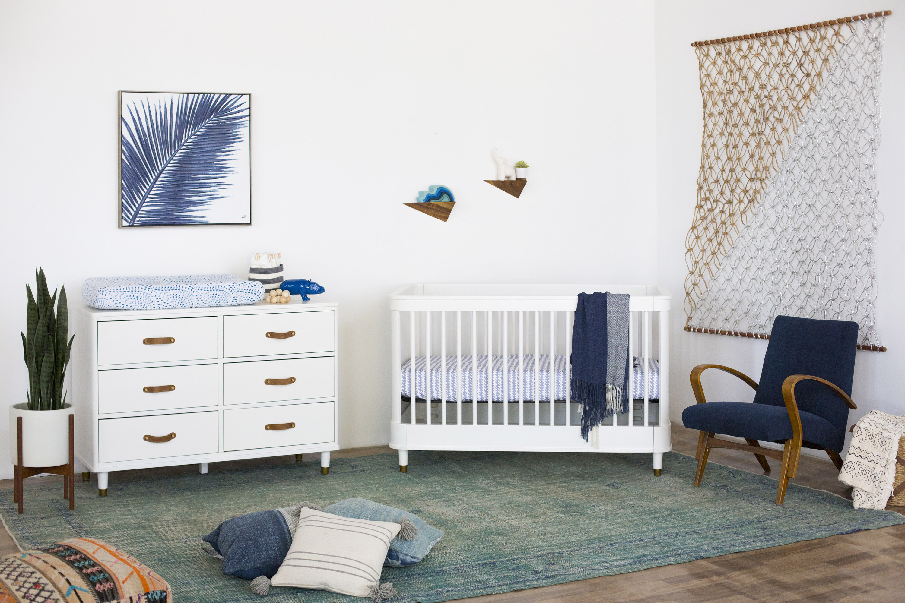 Million Dollar Baby Tanner Crib & Dresser Package - Warm White