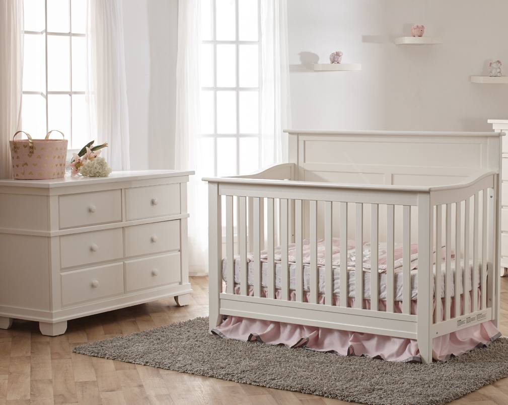 Pali Napoli Flat Top Crib and Dresser in White