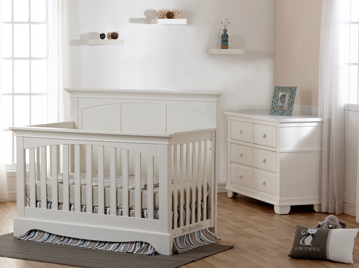 Pali Torino Panel Convertible Crib + Dresser - White