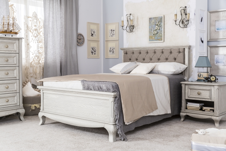 Romina Furniture Antonio Full Bed with Grey Linen Tufting