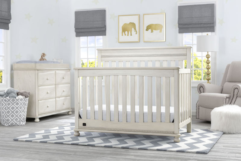 Simmons Kids Franklin 5 Piece Nursery Set - Antique White